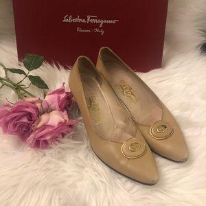 Vintage Salvatore Ferragamo women's flat shoes